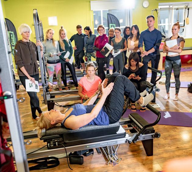 Оценка клиента и назначение корректирующих упражнений